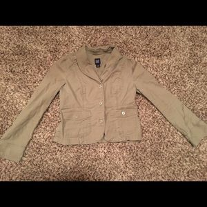 Gap blazer! Size 6. Good used condition.